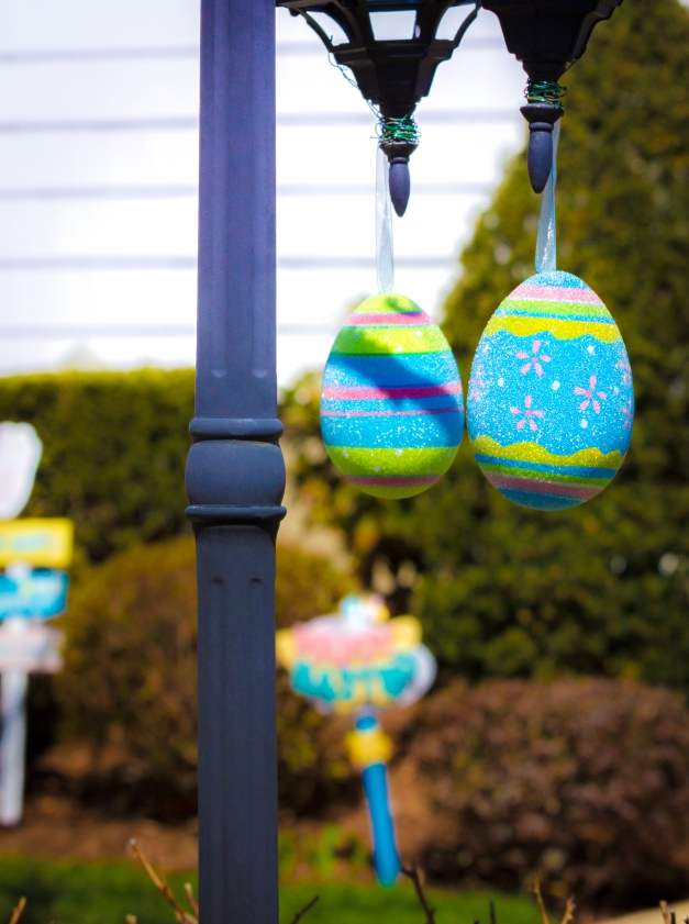Easter decorations at a Winchester Road home. April 12, 2014.